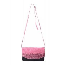 Дамска чанта с еко кожа...